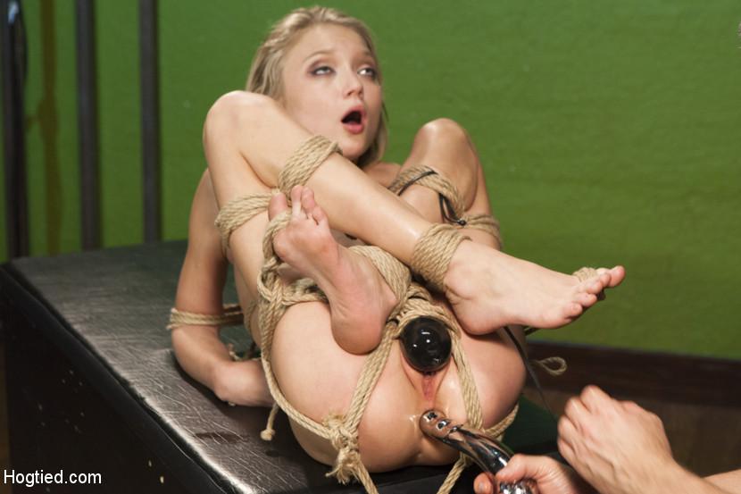 Hot blonde girl nude